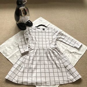 K By Kersh White & Gray Dress With Pockets Size M